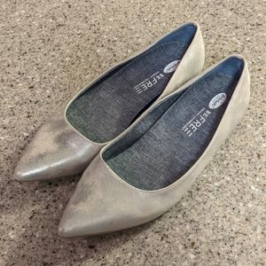 Dr Scholl's silver flats